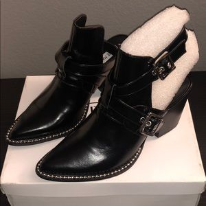 Steve Madden Powered black leather booties